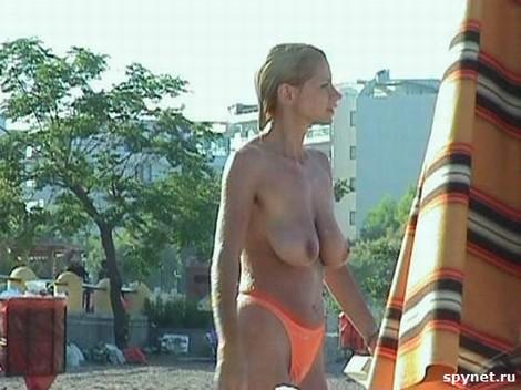 topless merginos 01