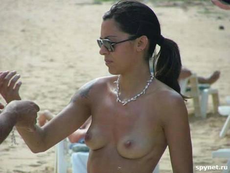 topless merginos 04